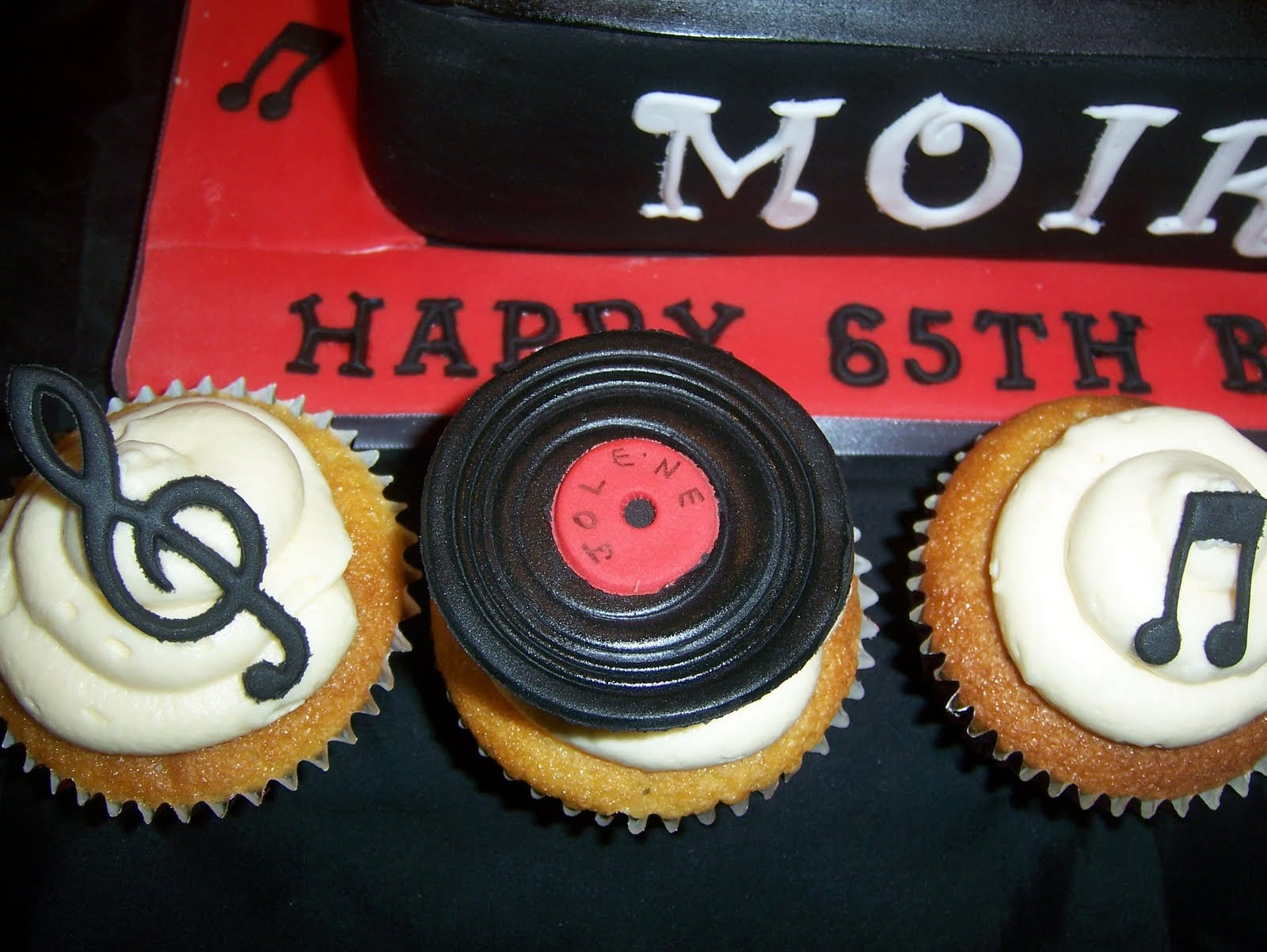 Juke Box Birthday Cake Music Notes detail