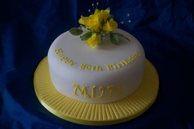 Yellow Tea Roses Cake – Cake of the Week