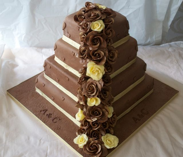 Chocolate Roses Wedding Cake – Cake of the Week