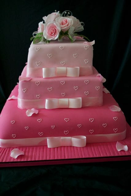Shades of Pink Wedding Cake - Cake of the Week - Casa Costello