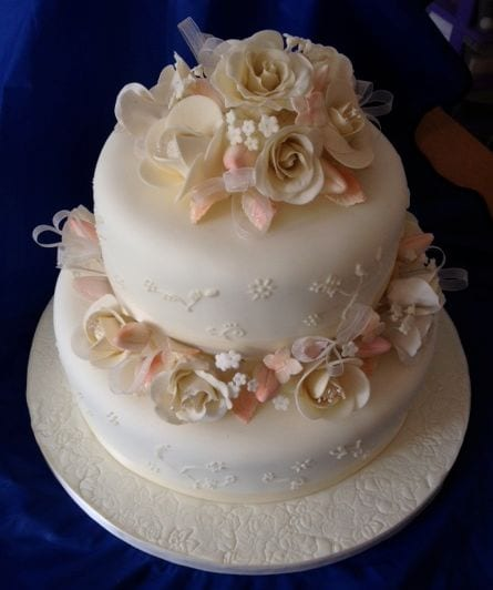 Rose Wedding Cake – Cake of the Week & The Gallery