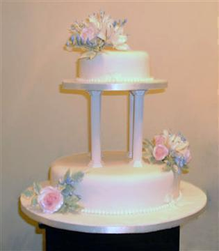 _pillar 2_tier_wedding_cake_Pink