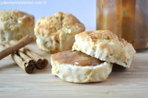 apple cinnamon caramel scones