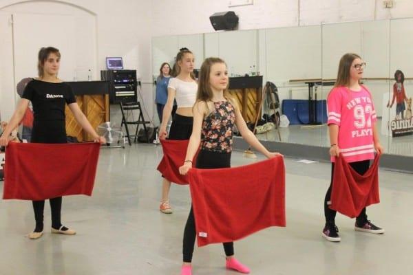 Annie Movie dance