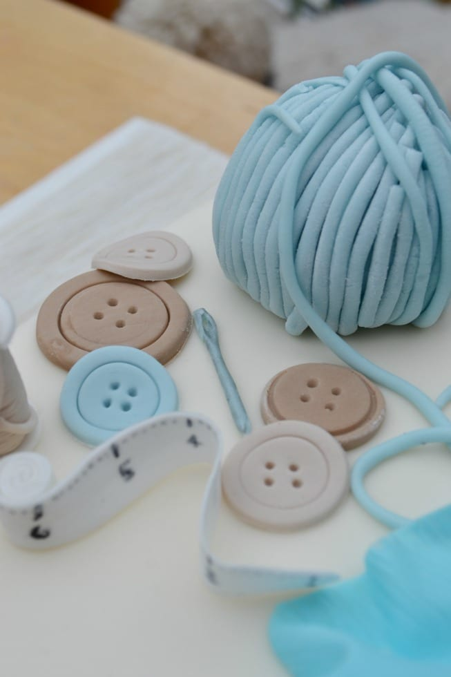 Needle Icing Sewing Cake