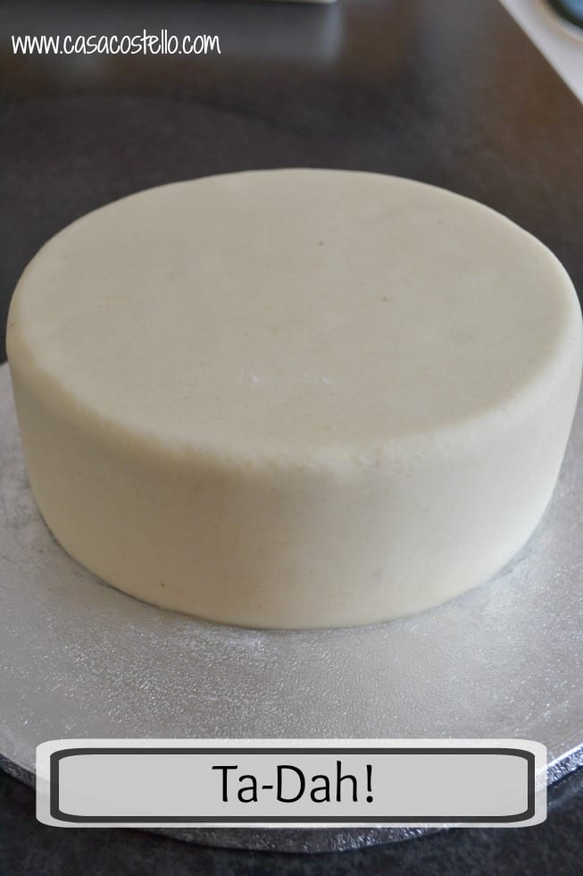 Perfect smooth cake covering