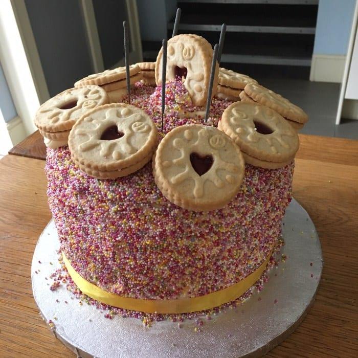 Funfetti Jammy Dodger Cake