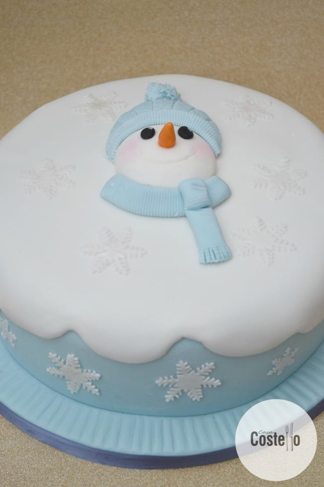 Easy Snowman Christmas Cake